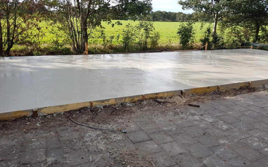 Aanbouw beton storten